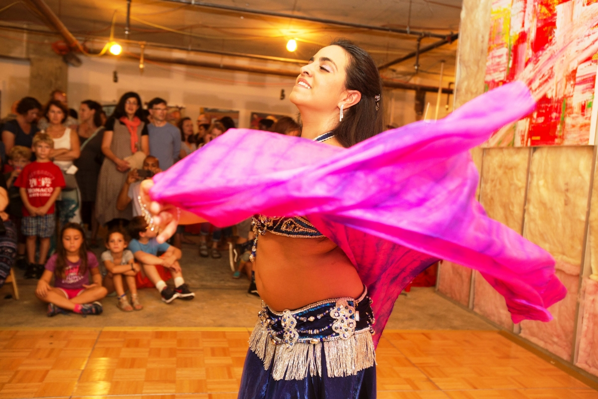 Belly dancer at Broadcast - Copy