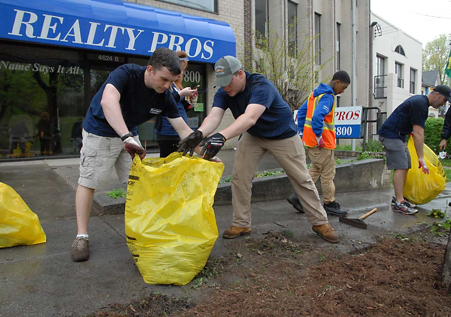 Annual Wisconsin Ave. Clean-Up