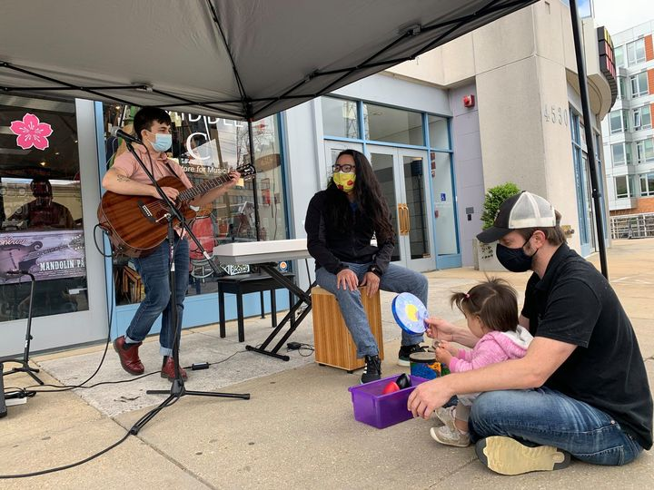 Middle C Music Outdoor Jam Sessions